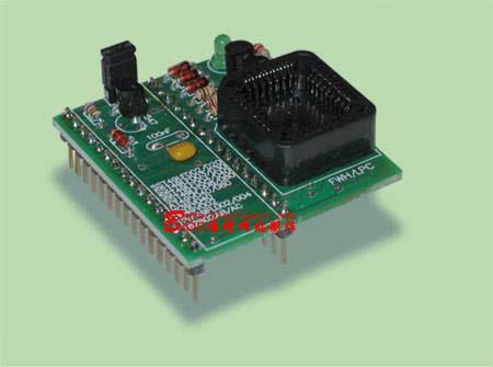 适配器,精确调整烧写芯片工作电压和编程电压,采用大规模集成电路进行